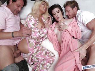красивый секс с сисястой