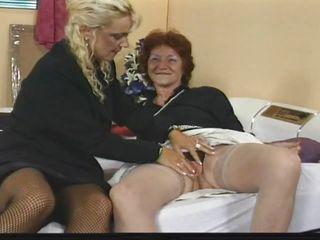 Порно видео зрелых бабушек